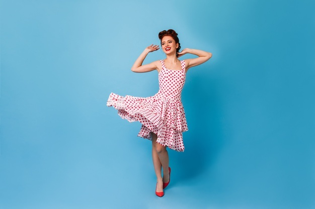 robe à pois moulante